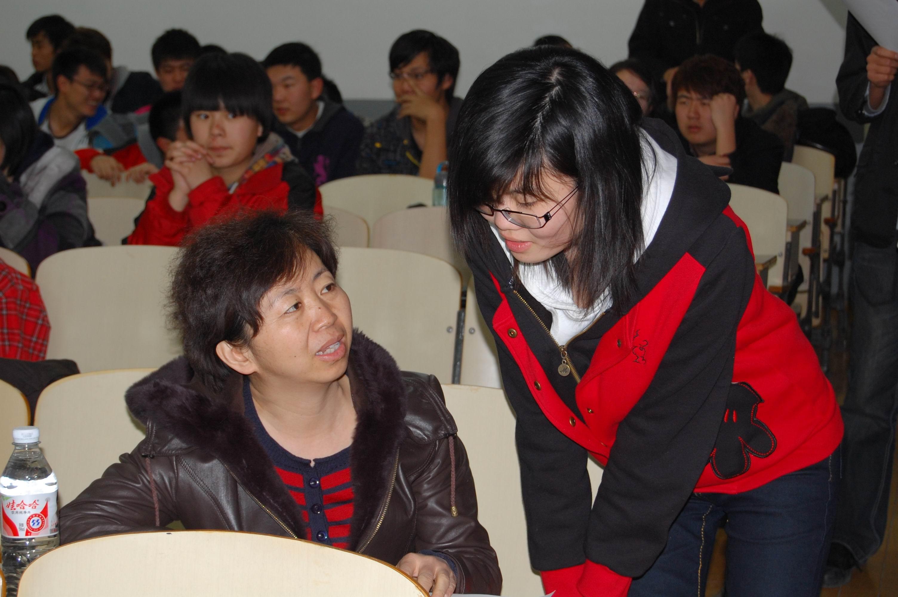 环能学院举办2011年度大学生科技立项师生双选会图片